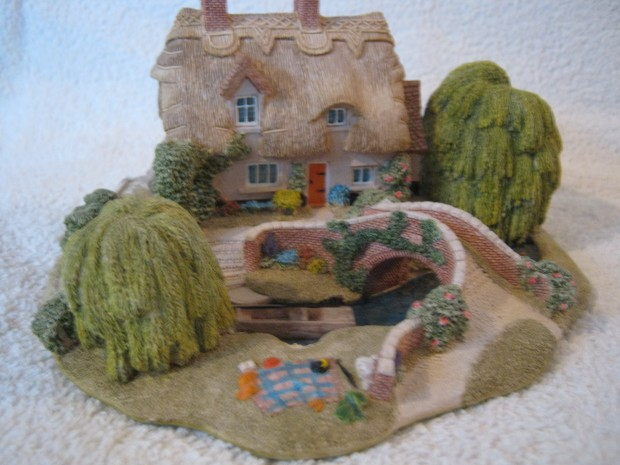Lilliput Lane Collectable Cottages